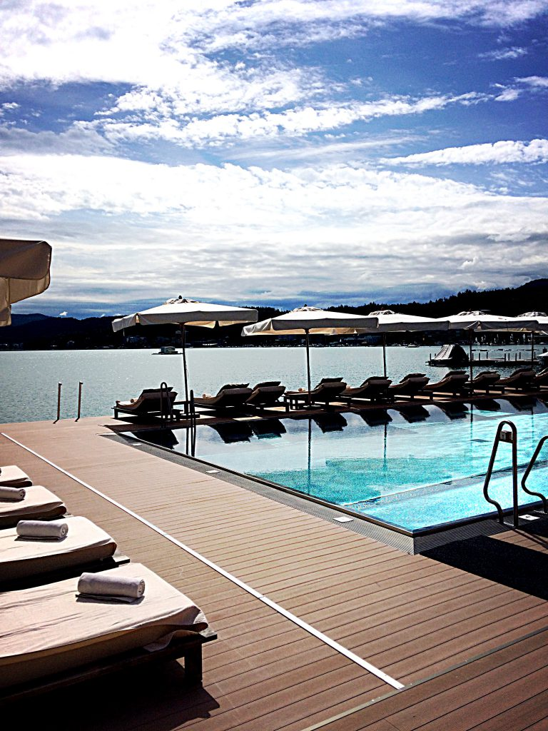 Schlosshotel Beachclub