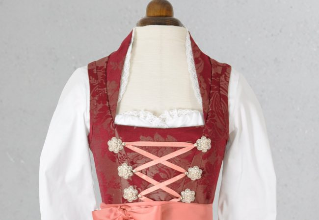 Couture Atelier Veverl – Dirndl nach Maß